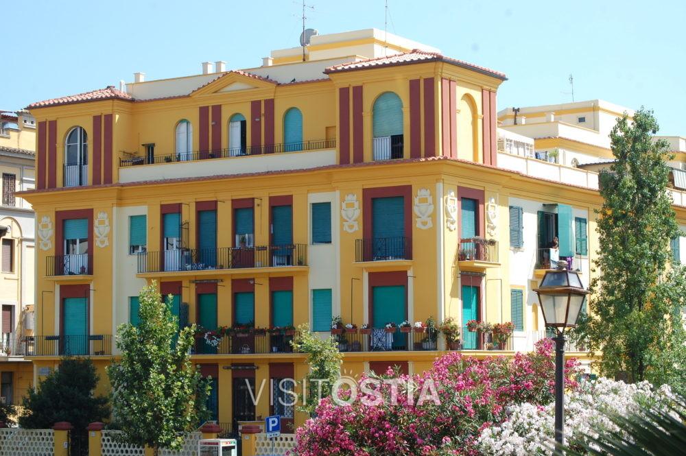 VisitOstia, palazzina all'angolo tra Via Celli e Corso Regina Maria Pia