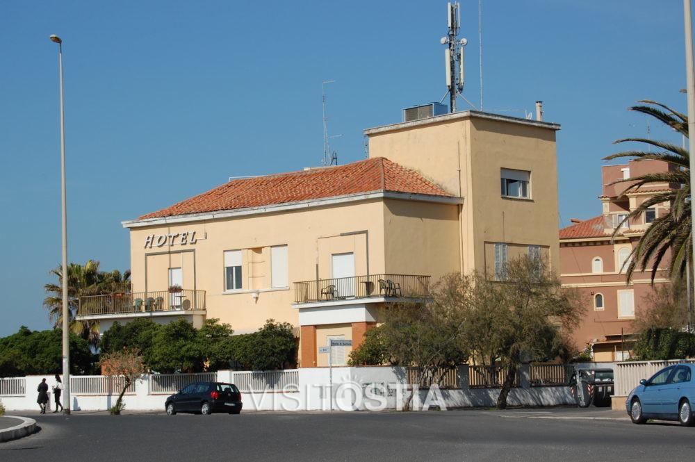 """VisitOstia - palazzina in Piazza Sirio (oggi Hotel """"La Riva"""")"""