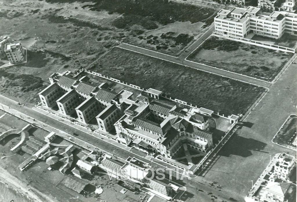 """VisitOstia - La Colonia Marina """"Vittorio Emanuele III"""", veduta aerea (anni '30)"""