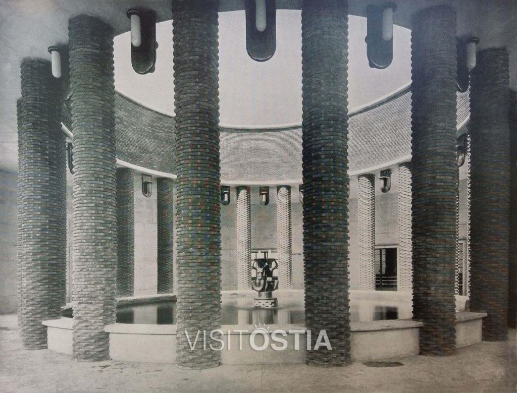VisitOstia - Ufficio Postale, l'impluvium del portico (anni '30)